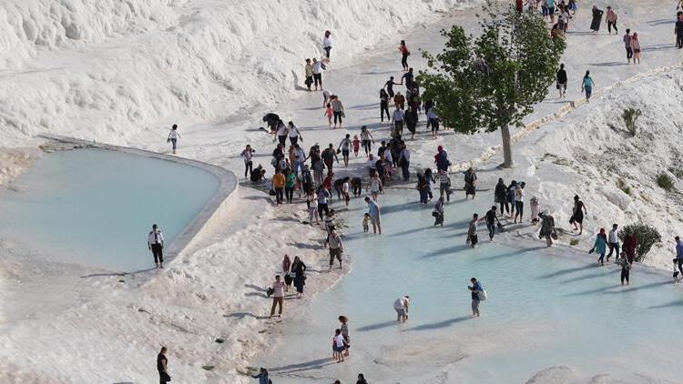 Pamukkale'de 3 milyon turist beklentisi