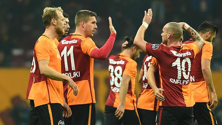 Galatasaray 61 açılış maçının 42'sini kazandı!