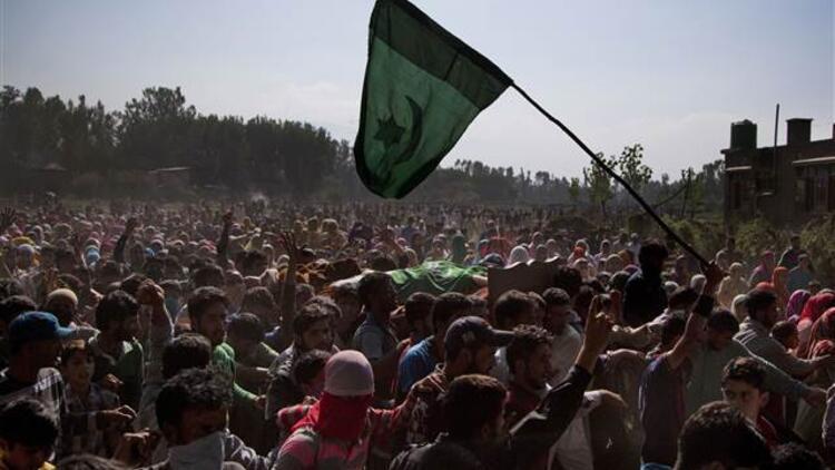 Aktivistler Cammu Keşmir'de yaşananları raporlaştırdı