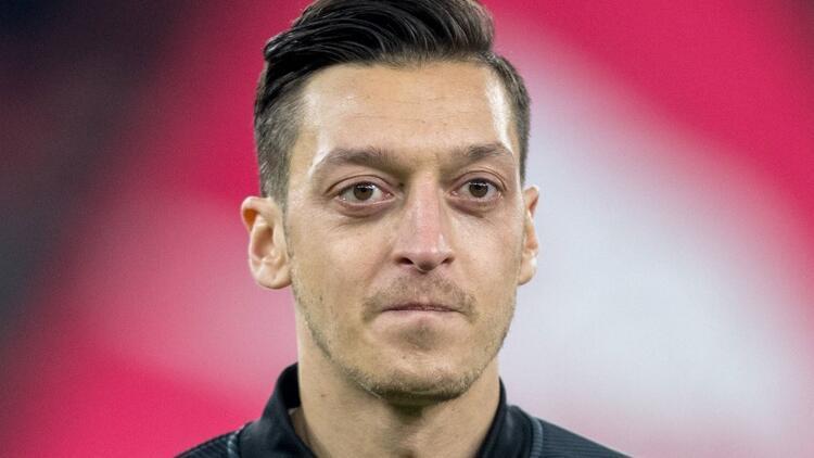 """Unai Emery'den """"Mesut Özil"""" açıklaması"""