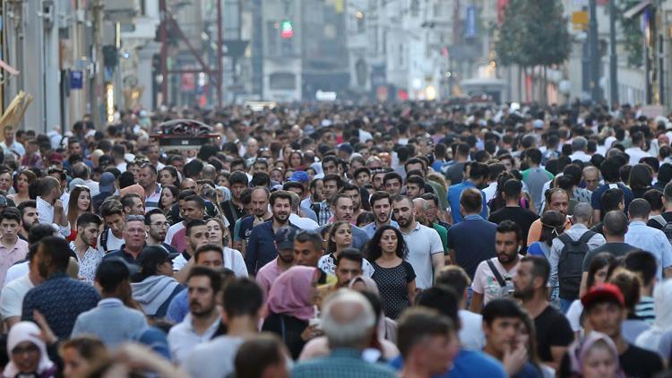 Bakan duyurdu! 14 milyon vatandaş yollara düştü