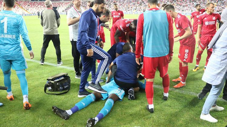 Sivasspor - Beşiktaş maçında korku dolu anlar! Baygınlık geçirdi...