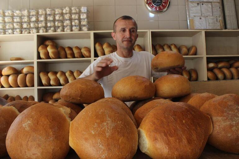Görülmemiş olay... Ucuz ekmek satıyor diye dava açtılar, üzülerek zam yaptı