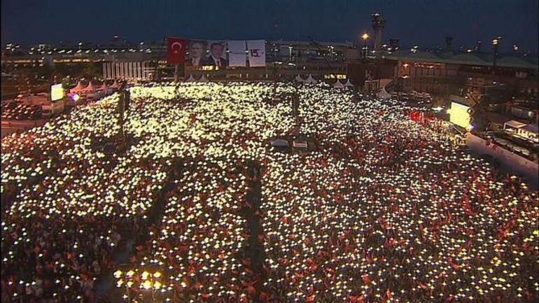 Son dakika… Cumhurbaşkanı Erdoğan'dan darbeye direnişin 3. yılında önemli mesajlar