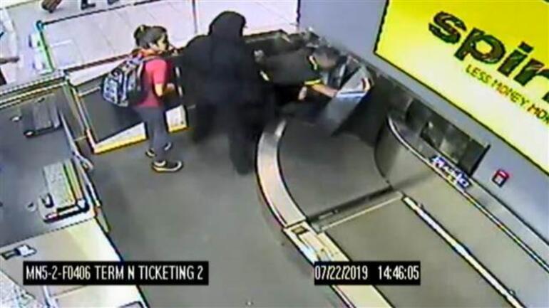 2 yaşındaki çocuk havalimanında panik yarattı