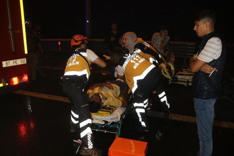Bolu Dağı'nda otobüs TIR'a çarptı: Yaralılar var