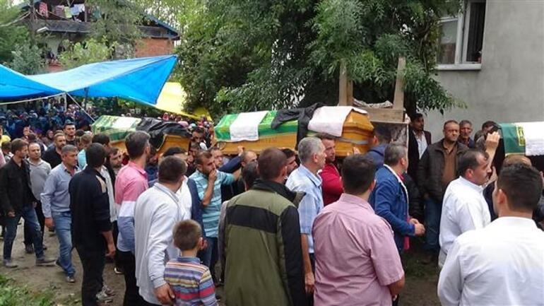 Feci kazada hayatını kaybeden 4 kişi toprağa verildi
