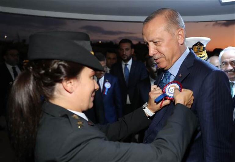 Cumhurbaşkanı Erdoğan: Şehit ailelerini kapı önüne koyanları biz de kapının önüne koyarız