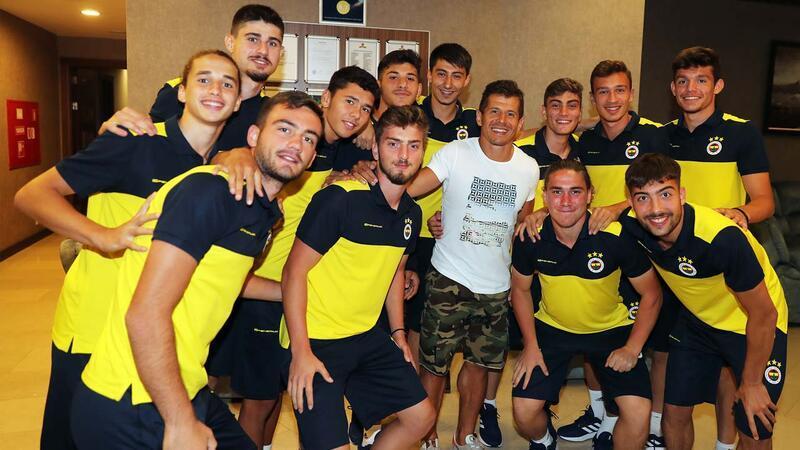 Emre Belözoğlu Fenerbahçe kampına katıldı