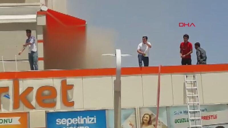 Diyarbakır'da 2 katlı markette yangın, 50 kişi tahliye edildi