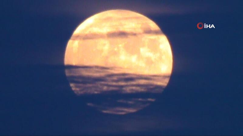"""Tekirdağ'da """"Parçalı Ay Tutulması"""""""