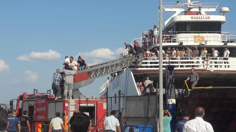 Çanakkale-Eceabat feribotunda çıkan yangın korkuttu