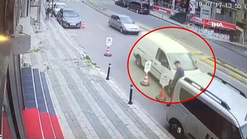 Uyuyakalan sürücünün teğet geçtiği yaya kıl payı ölümden döndü