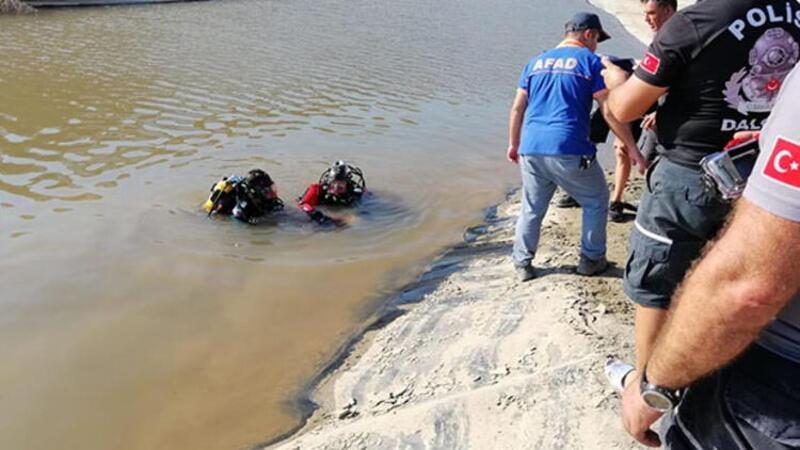Gölete giren ikizler boğuldu