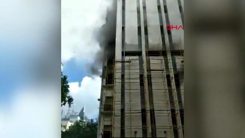 Hindistan'da telekomünikasyon binasında yangın