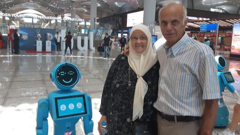 İstanbul Havalimanı'nın robotları görücüye çıktı