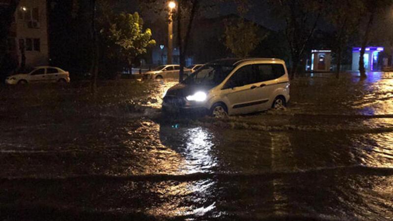 Edirne'de kuvvetli sağanak yağış
