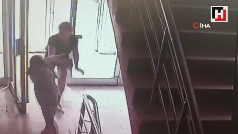 Öğretmen komşu, Büşra'yı tekme tokat dövdü