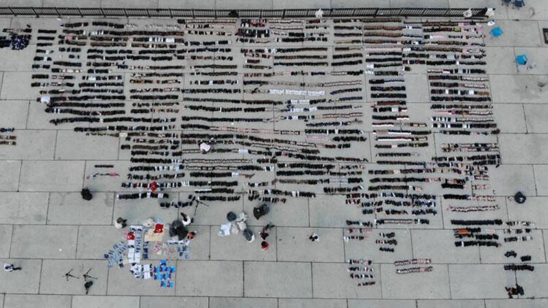 Eminönü'nde sular altında kalan ayakkabılar Yenikapı'da kurumaya bırakıldı