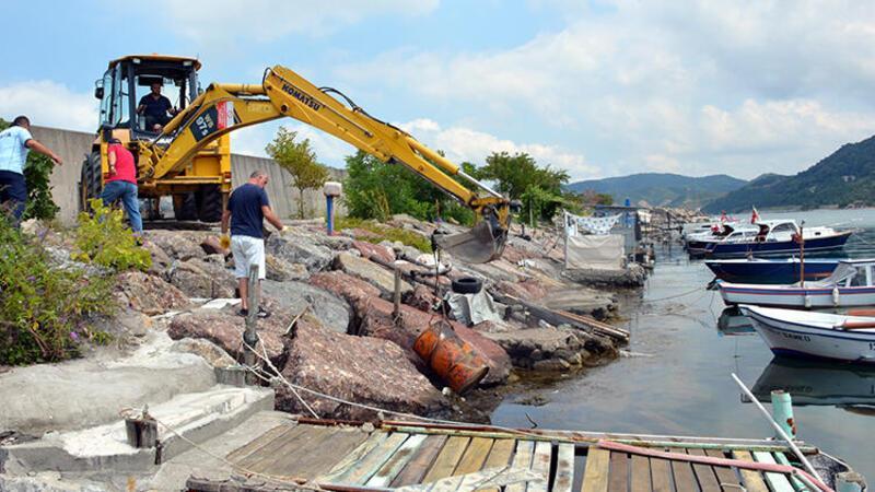 Alaplı'da balıkçılar şüpheli varil bulundu
