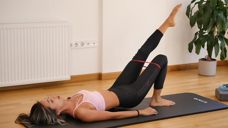 Bacakları sıkılaştırmak için pratik egzersizler