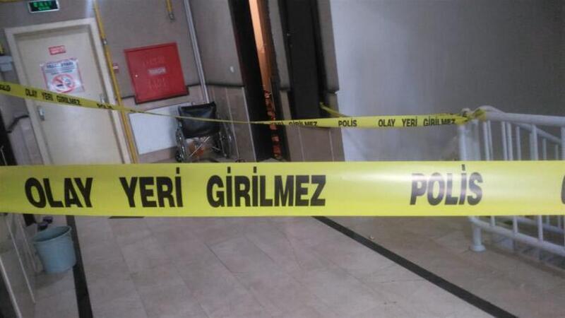 Kızı ve engelli eşini öldüren şahıs polise teslim oldu